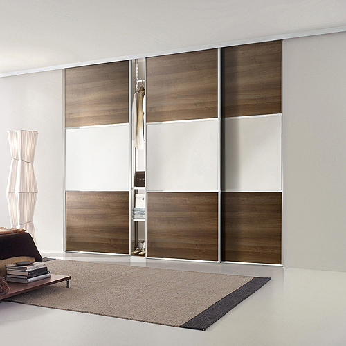 Quartet wardrobes fitted sliding wardrobe systems marbella for Back painted glass designs for wardrobe